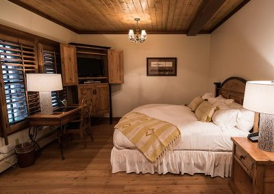 elk mountain resort luxury room