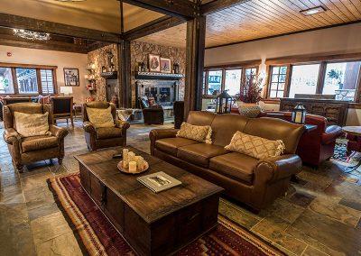 elk mountain resort lodge sitting area